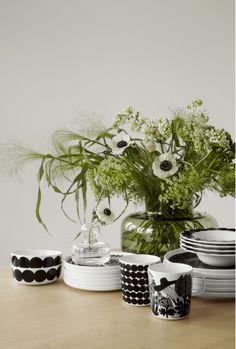 Marimekko Ystävämyynti 2018 for by Susanna Vento Scandi Style, Nordic Style, Marimekko, Ecology Design, Haida Art, Nordic Home, Japanese Patterns, Linocut Prints, Dream Decor