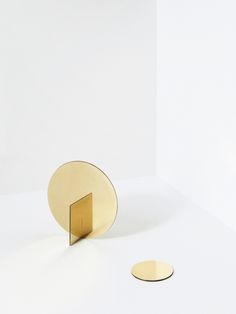 Brass Mirror Series, 2015, by Falke Svatun, Ø190 x 95 mm, Ø85 x 3 mm