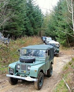 @retroeighty at play with chums. #landrover #seriesone #landroverphotoalbum @landrover @landrover_uk