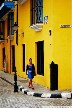 Let the streets of #Havana brighten your day