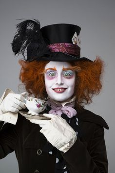 Alice in Wonderland, Tim Burton Halloween 2013, Halloween Projects, Scary Halloween, Halloween Make Up, Halloween Party, Halloween Face Makeup, Tim Burton Costumes, Mad Hatter Costumes, Mad Hatter Cosplay