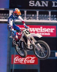 Yamaha's Damon Bradshaw showing that signature style in his Fox Racing Zebra print at San Diego in 1989 -Kinney Jones Mx Racing, Yamaha Motocross, Beast From The East, Off Road Bikes, Big Rig Trucks, Celebrity Travel, Dirtbikes, Damon, Zebra Print