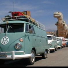 I want a VW Bus soooo bad.