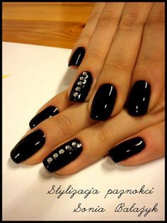 #pinoftheday #nails #gelnail #lacquer #diamondcosmetics #follow #nailart #beautiful #ornament
