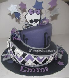 Monster High cake- but hot pink instead of purple