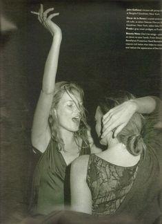 W Magazine Nov 1997 'High Camp' - Kate Moss & Stella McCartney by Bruce Weber Ella Moss, Moss Fashion, Miss Moss, Bruce Weber, Thing 1, Girl Smoking, Club Style, Victoria, Movie Posters