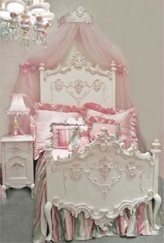 Florentina Princess Bed by Villa Bella