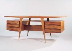 nickkahler: Gio Ponti, Teak Desk, 1950 This is awesome! Mcm Furniture, Vintage Furniture, Furniture Design, Plywood Furniture, Chair Design, Gio Ponti, Mid Century Modern Design, Mid Century Modern Furniture, Teak