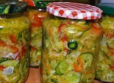 Sałatka na zimę z kapustą i ogórkami - wielowarzywna - przepis ze Smaker.pl No Waste, Winter Salad, Cabbage Salad, Vegetable Recipes, Pickles, Cucumber, Vegetables, Food, Cakes