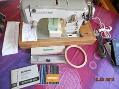 Bernina 640-2 Favorit (automatic zigzag) with lots of accessories