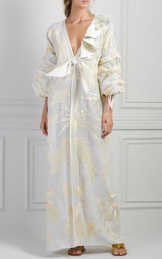 M'O Exclusive Praia Embroidered Tunic by Johanna Ortiz Mode Boho, Embroidered Tunic, Elegant Outfit, Simple Dresses, Elegant Dresses, Classy Outfits, African Fashion, Dress Skirt, Vintage Dresses