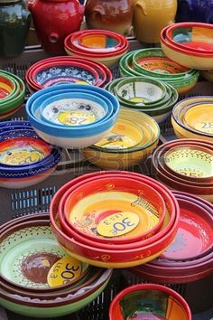 Bowls in different sizes and patterns at a Provencal market in France Stock Photo - 16186367