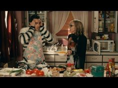 "Schitt's Creek - ""Fold In the Cheese!"" - YouTube"