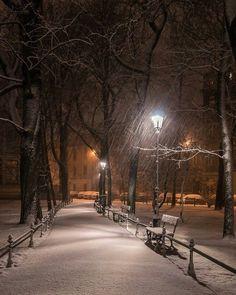 Ausgezeichnet Verschneite Winternacht – My World Winter Szenen, Winter Love, Winter Christmas, Christmas Time, Winter Photography, Landscape Photography, Nature Photography, Street Photography, Winter Images