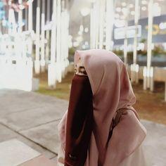 Ootd Hijab, Hijab Chic, Hijabi Girl, Girl Hijab, Niqab Fashion, Islamic Girl, Muslim Hijab, Islamic Clothing, Beautiful Hijab