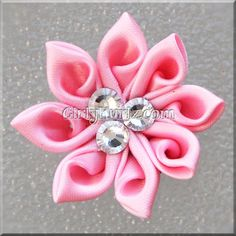 Pink Kanzashi Hair Clip - no tutorial but such a lovely fold I need to see if I can work it out