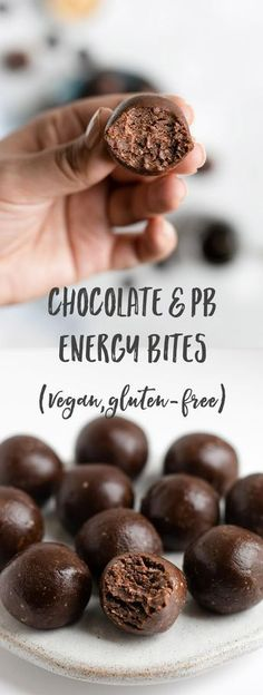 Chocolate & Peanut Butter Energy Bites - Vegan Dessert Recipes - Chocolate and peanut butter energy bites! These are raw, made with only 5 ingredients and packed wi - Yummy Snacks, Snack Recipes, Dessert Recipes, Cooking Recipes, Yummy Food, Healthy Recipes, Vegetarian Recipes, Snacks List, Crepe Recipes