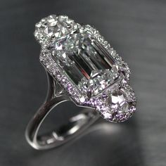 Stunning Diamond engagement ring Art Deco Style. In Platinum. Only for VIP. Don't you think?? SLVH ♥♥♥♥