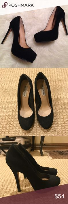 """Steve Madden Stokker Black Suede Pumps Gorgeous """"Stokker"""" suede Steve Madden pumps in black!! The heel is 5"""" with a 1"""" platform. Good condition with lots of life still left in them! Steve Madden Shoes Heels"""