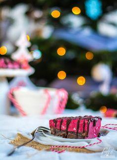 Ciasto czekoladowe z malinami (bez glutenu) - paleolife Paleo, Table Decorations, Beach Wrap, Dinner Table Decorations, Paleo Food