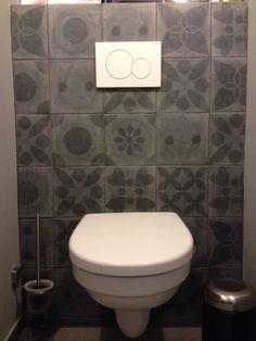 Toilet met tegels uit de vt wonen collectie