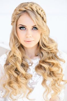 Crown Braid & Curls | Feminine Bridal Hair http://www.pinterest.com/modestbride/