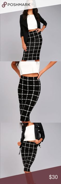 Lulus black and white skirt NWT Still in packaging! Missed the return window so selling for less than the current listed price at Lulus! Lulu's Skirts Midi