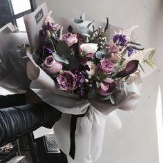 주문 레슨문의 Katalk ID vanessflower52 #vanessflower #vaness #flower #florist #flowershop #handtied #flowergram #flowerlesson #flowerclass #바네스 #플라워 #바네스플라워 #플라워카페 #플로리스트 #꽃다발 # #부케 #원데이클래스 #플로리스트학원 #화훼장식기능사 #플라워레슨 #플라워아카데미 #꽃스타그램 . . . #핸드타이드 #꽃다발 . . 좋아하는 컬러와 꽃 총집합