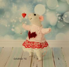 Valentine's Gift mouse Wool Felted mouse by WorkshopTatyanas