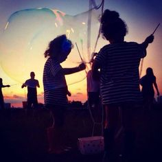 ABC recebe primeiro encontro de bolhas de sabão gigantes