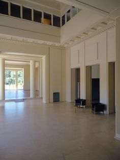Located Near BessaHotel Boavista, Serralves is a cultural institution located in Porto, Portugal, and one of the most important of all the country. Park Hotel, Hotel Spa, Porto City, Villa, Modern Art Deco, Art Deco Home, Museum Of Contemporary Art, Interior Architecture, Home And Family