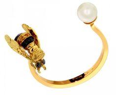 Anello To bee or not to be - Anello aperto con ape in oro e perla di Delfina Delettrez Fendi