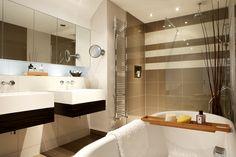 Toilet Tiles Design, Wall Tiles Design, Interior Design Plants, Hotel Design Interior, Bathroom Interior Design, Modern Toilet Design, Hotel Bathroom Design, Hotel Room Design, White Interior Design