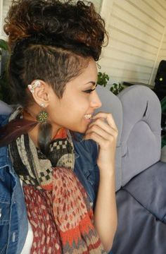 Interesting Trend Half Shaved Curly Mohawk Hairstyles For Women Dope Hairstyles, My Hairstyle, Black Women Hairstyles, Curly Mohawk Hairstyles, Curly Undercut, Pinterest Hairstyles, Shaved Undercut, Shaved Hairstyles, Hairstyle Ideas