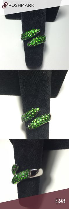 Rare ExoticRussian Chrome Diopside BypassFINAL Brilliant & Rich  .88ctw  Round Russian Chrome Diopside set in a Bypass Style .. Very Chic Design. These Rare & Truly Exotic Gemstones Explode with Color and Brilliance✨✨.            New Listing✨✨One Source Gemstone ✨✨ Mined only 10-12 weeks per Year✨✨OWN A UNIQUE PIECE OF ART✨ Russias Emerald Jewelry Rings