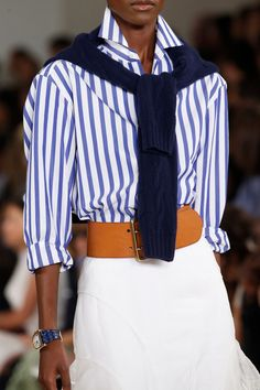 Ralph Lauren Spring 2016 Ready-to-Wear collection, runway looks, beauty, models, and reviews. Fashion Week, Look Fashion, Fashion Show, Street Fashion, Fall Fashion, Fashion Trends, Ralph Lauren Style, Ralph Lauren Collection, Ralph Lauren Fashion
