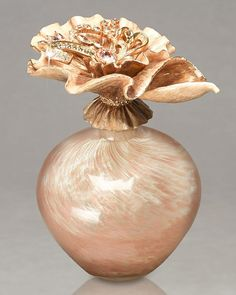 Breanna perfume bottle by Jay Strongwater. Marbled pink glass hand-blown in Portugal; the golden sculpted metal petals on the stopper have multiple layers of hand-painted blush-tone enamel, with clear hand-set Swarovski® crystals Perfumes Vintage, Antique Perfume Bottles, Vintage Bottles, Bottle Vase, Bottles And Jars, Glass Bottles, Parfum Chic, Beautiful Perfume, Glass Art