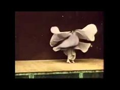 Loie Fuller, 'Danse Serpentine' - by the Lumiére Brothers (1897) - YouTube