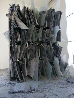 sculpture livre de au MONA de Hobart Tasmanie Mona Tasmania, Anselm Kiefer, Old And New, New Art, Museum, Sculpture, Cooking, Women, Tasmania
