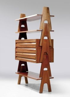 Angelo Mangiarotti and Bruno Morassutti. Cavalletto stacking shelf, Plywood with mahogany veneer. Had been standing in Angelo Mangiarotti's studio. Mid Century Modern Design, Mid Century Modern Furniture, Vintage Furniture Design, Bauhaus Design, Modular Furniture, Smart Furniture, Mid Century Decor, Decoration, Outdoor Chairs
