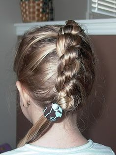 Little Girl's Hairstyles- Daisy Chain Braid or Knotted Braid