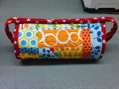 Sew along bag. This tut is well done finished project is an neat bag with lots of pockets.