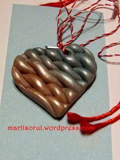 Martisoare lucrate manual: Martisor sidefat inimioara auriu/turcoaz, 2015 Handmade, Fimo, Hand Made, Handarbeit