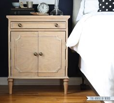 How to build your own DIY Ballard Designs-Inspired Isabella Nightstands. Free step-by-step plans by Ana White and Jen Woodhouse from The House of Wood. Furniture Projects, Furniture Plans, Diy Furniture, Diy Projects, Woodworking Projects, Project Ideas, Ana White, Refurbished Furniture, Repurposed Furniture