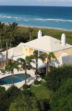 Palm Beach County is known for magnificent waterfront real estate! http://www.waterfront-properties.com/palmbeachcountyrealestate.php