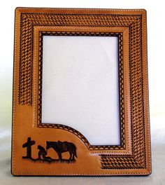new pattern this embossed leather picture frame would make a wonderful gift or use to