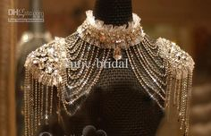 Let yourself shine wearing four choice!shoulder chain accessories bride epaulet wedding necklace with diamond crystal we001 sold by cutie-bridal at your wedding. bridal hair accessories ireland, bridal hair images and bridal hair pieces uk are also provided on DHgate.com.