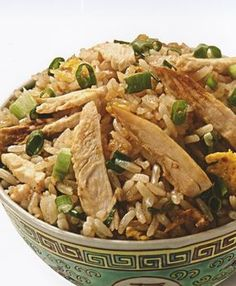 Arroz Chaufa con Pollo (para 6 personas) Healthy Cooking, Healthy Eating, Arroz Frito, Peruvian Recipes, Skinny Recipes, Italian Recipes, Spanish Recipes, I Foods, The Best