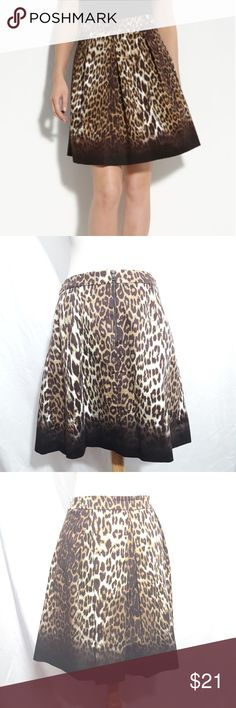 """NWOT T Tahari leopard pleated skirt size 10 ♡ NWOT ♡ Two pockets   ♡Length: ~19.5""""  ♡Waist:~14.5""""    ♡Great condition, no stain, tear, or rips.   ♡Due to studio lighting, product be may lighter or darker in pictures.  OFFERS ARE WELCOME!  THANK YOU FOR LOOKING T Tahari Skirts A-Line or Full"""