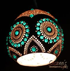 Gourd lamp... unusual effect:)